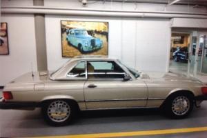 1987 Mercedes-Benz 500-Series Photo