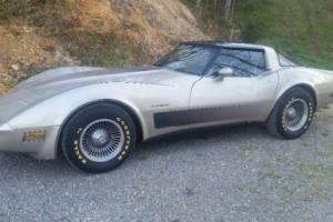 1982 Chevrolet Corvette T - Top