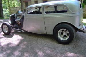 1933 Ford chop top sedan