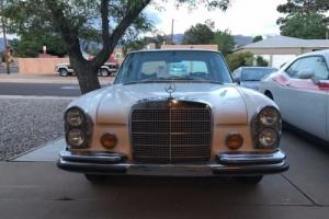 1972 Mercedes-Benz 200-Series Photo