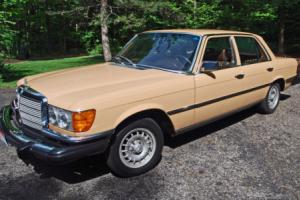1978 Mercedes-Benz 200-Series 280SE Photo