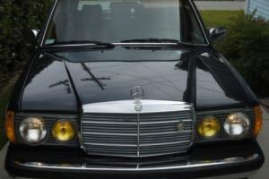 1985 Mercedes-Benz 300-Series Photo