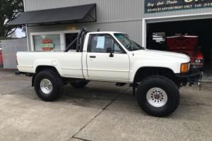 1984 Toyota PICKUP 1984 TOYOTA 4X4