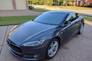 2015 Tesla Model S 85 D