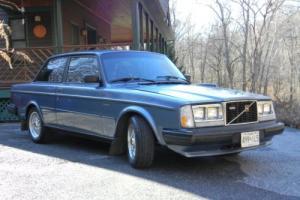 1984 Volvo 240 Photo