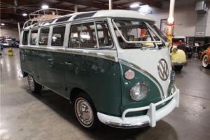 1966 Volkswagen Microbus -- Photo