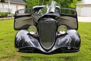 1934 Ford 2 door sedan