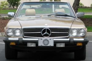 1984 Mercedes-Benz SL-Class Photo