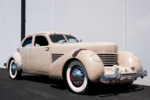 1936 Cord 810 Sedan Photo