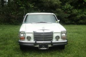 1971 Mercedes-Benz 200-Series Photo