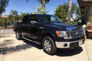 2012 Ford F-150  Lariat 4 x 4 V8 Photo