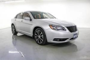 2012 Chrysler 200 Series S