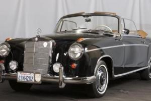1959 Mercedes-Benz 220 -- Photo