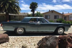 1962 Lincoln Continental Photo