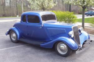 1934 Ford 5-w coupe