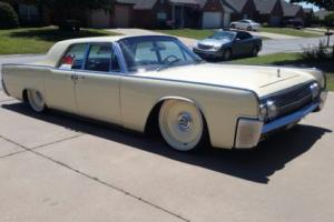 1963 Lincoln Continental Photo