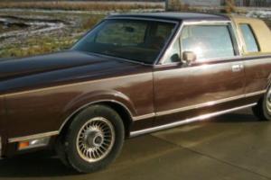 1980 Lincoln Continental Photo