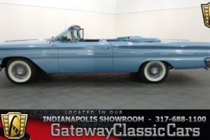 1960 Pontiac Bonneville -- Photo
