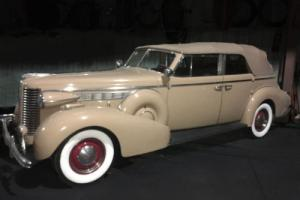 1938 Buick Roadmaster Photo