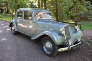 1955 Citroën English Light 15 -- Photo