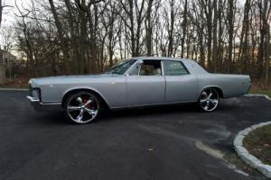 1969 Lincoln Continental Photo