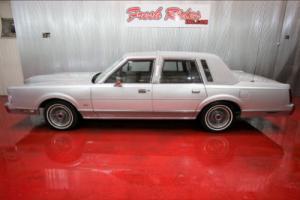 1986 Lincoln Town Car Photo