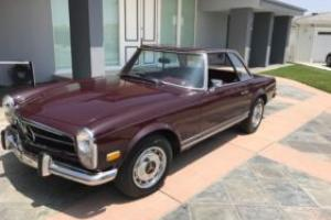 1968 Mercedes-Benz 200-Series Photo