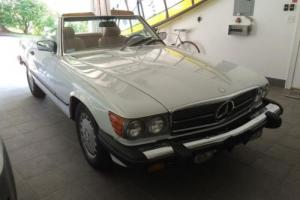 1989 Mercedes-Benz SL-Class 560SL Roadster Low Miles Absolutely Beautiful!