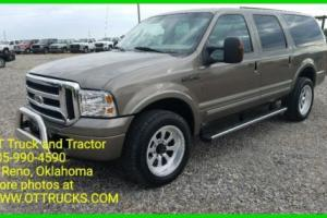 2005 Ford Excursion Photo