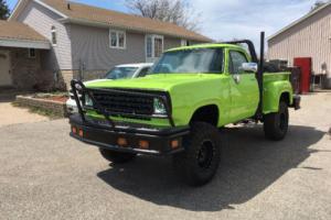 Dodge: Power Wagon W100