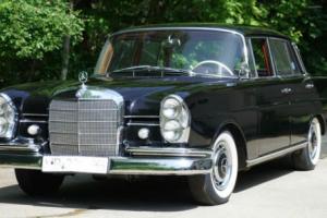 1961 Mercedes-Benz 200-Series Photo