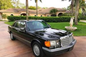1990 Mercedes-Benz 560-Class 560 SEL --