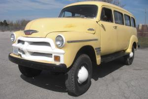 1954 Chevrolet Suburban Photo