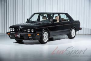 1988 BMW M5 Sedan -- Photo