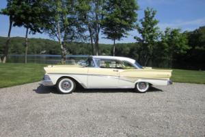 1958 Ford Fairlane Photo