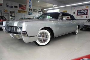 1967 Lincoln Continental Gorgeous Silver w/Blue Top & Interior Restored Photo
