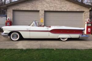 1958 Pontiac CHIEFTAIN Photo