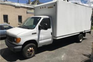 2006 Ford E-Series Van --