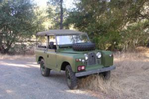 1964 Land Rover LR2 Photo