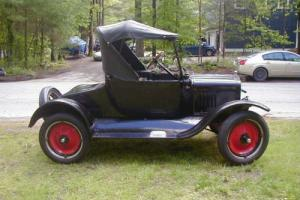 1925 Ford Model T Roadster Photo