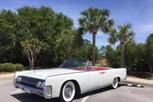 1962 Lincoln Continental Photo