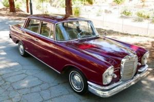 1962 Mercedes-Benz 200-Series