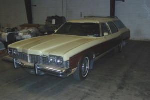 1973 Pontiac Grand Safari Photo