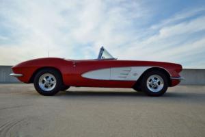 1961 Chevrolet Corvette 1961 CHEVROLET CORVETTE CONVERTIBLE