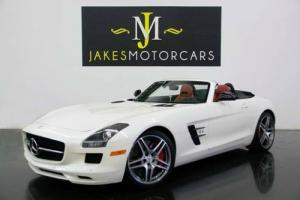 2014 Mercedes-Benz SLS AMG Roadster (1-OWNER)