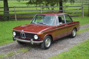 1969 BMW 2-Series (Burgundy)