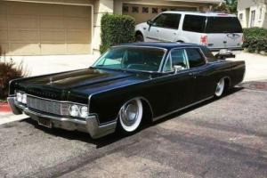 1967 Lincoln Continental Photo