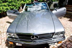 1988 Mercedes-Benz SL-Class 560SL Photo