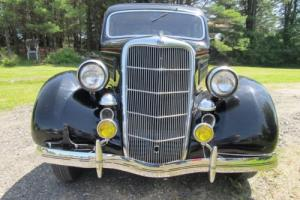 1935 Ford DELUXE Photo