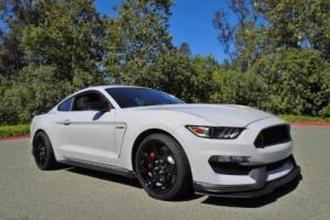 2016 Ford Mustang Shelby GT350R Photo
